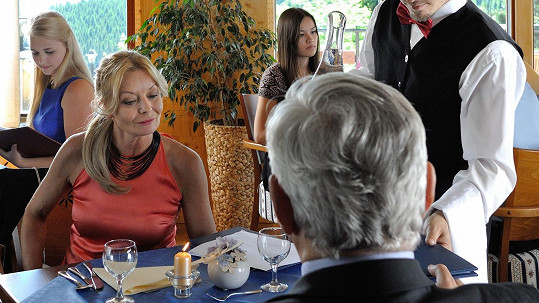 Vilma Cibulková se brzy objeví v seriálu Doktor Martin a zamíchá dějem...
