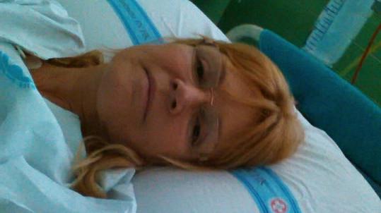Věra Martinová leží v nemocnici.