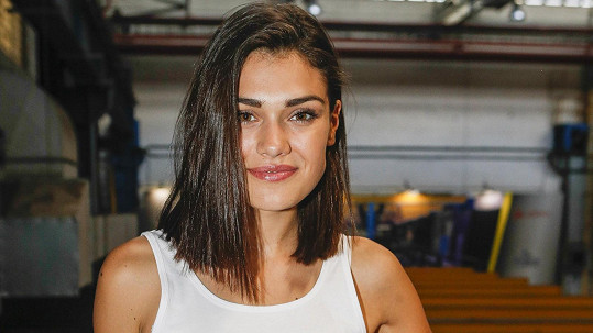 Kvůli příteli si kráska Andrea Kalousová vyslechla plno vulgárních urážek.