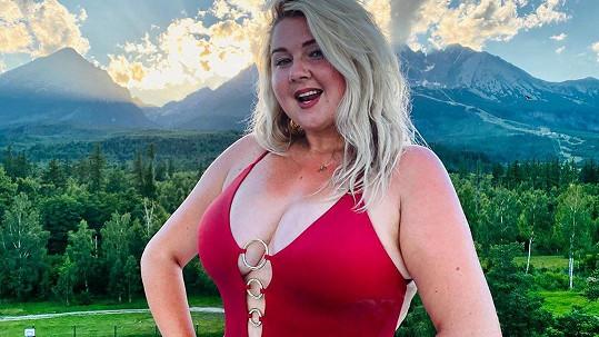 Evelyn Kramerová šla do plavek.