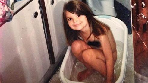 Kdo je ta malá dívenka?