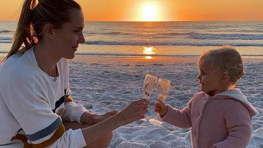 Nicole Vaidišová s dcerou
