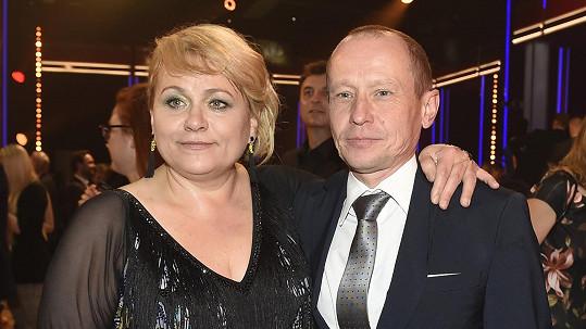 Pavlu podporuje její muž Ondřej.