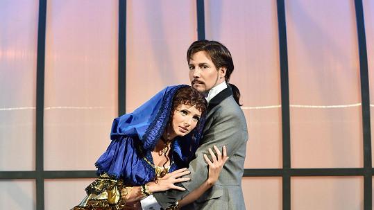 Ve Fantomovi opery je Bohuš Matuš k nepoznání.