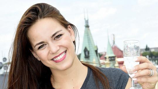 Karolina Gudasová oslavila 24. narozeniny.