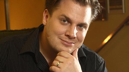 Tomáš Savka je od posledního října ženáč.