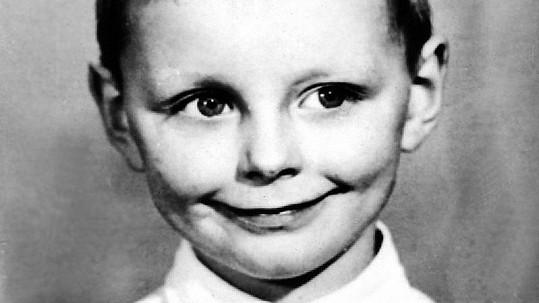 Tento chlapeček byl nejhezčím zpěvákem 80. let. Už ale nežije.