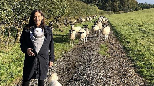 Natalie Imbruglia si užívá mateřství.
