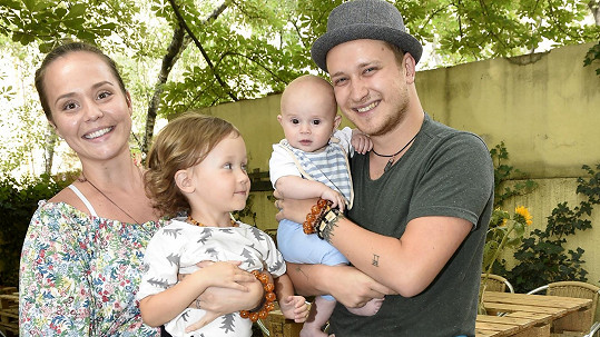 Voxel má s manželkou Marií syny Vašíka a Jozuu.