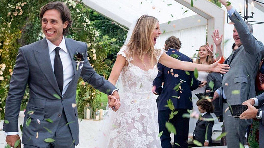 Gwyneth Paltrow a Brad Falchuk se pochlubili svatební fotkou.