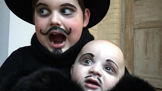 Synové Ornelly Koktové Sven a starší Quentin
