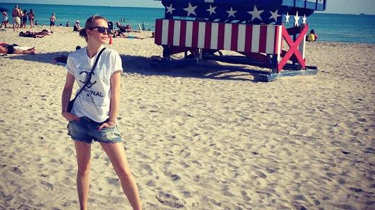 Simona Krainová má tělo šestnáctky.