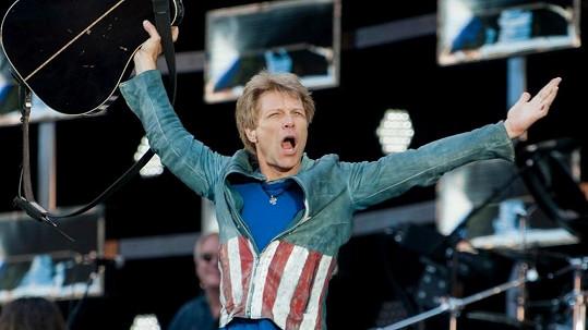 Jon Bon Jovi může slavit. Turné jeho kapely vydělalo nejvíc.
