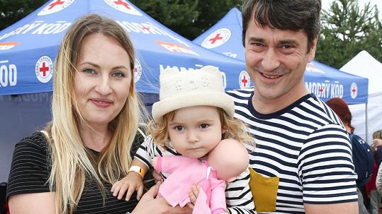 Saša Rašilov se svou manželkou a dcerkou