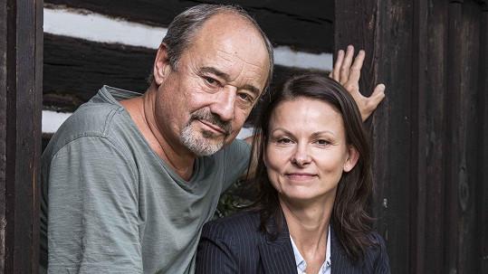 Klára Melíšková si v nové krimi sérii Živé terče zahrála po boku Viktora Preisse.