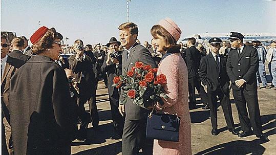 Osudným se mu stalo datum 22. listopadu 1963. Jako otec byl John vzorný, jako manžel nikoliv.