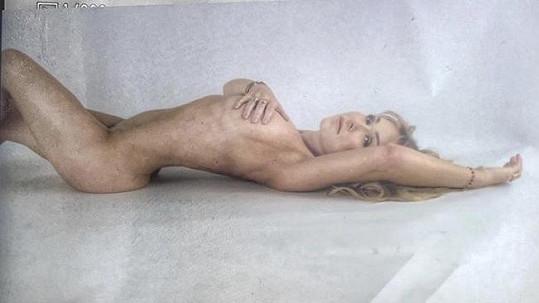 Kaira Hrachovcová své tělo ráda vystavuje.