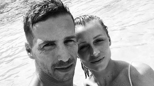 Veronika Kašáková před pár dny oznámila těhotenství. S partnerem Milanem čekají prvního potomka.