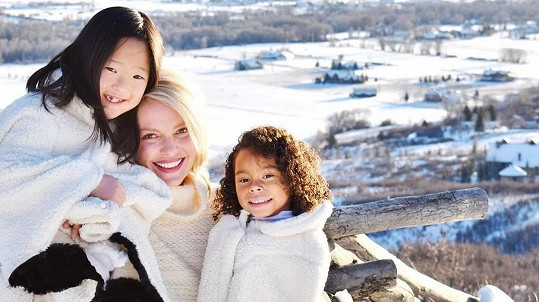 Katherine Heigl s dcerami Naleigh a Adalaide