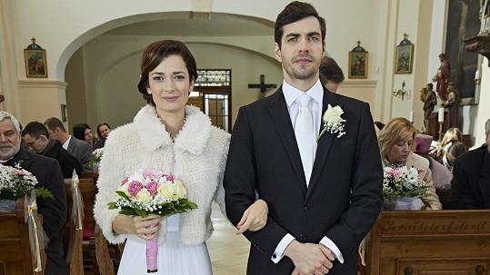 Marika Šoposká a Ivan Lupták svou seriálovou svatbu dost protrpěli...