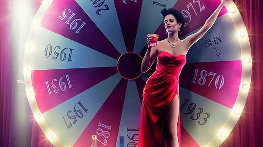 Eva Green na titulce kalendáře Campari 2015.