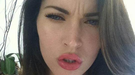 Megan Fox dokazuje: Vše je přírodní.