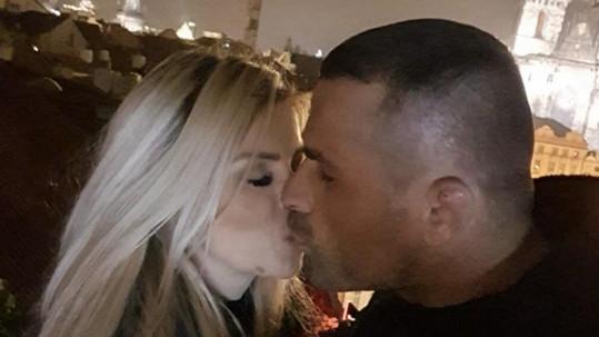 Karlos a Lela jsou opět spolu.