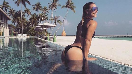 Dominika Cibulková si užívá na dovolené.
