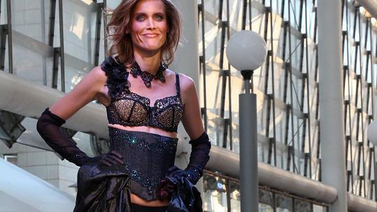 Ve svých čtyřiačtyřiceti letech má Silvia stále fantastickou figuru.