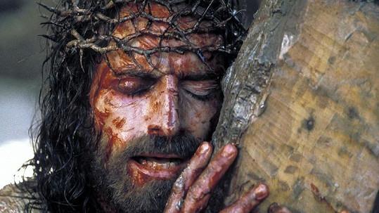 Jim Caviezel jako Ježíš v Umučení Krista
