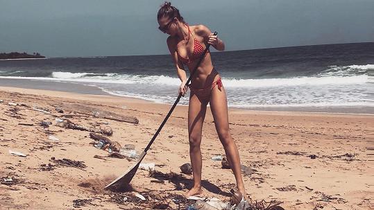 Kráska se rozhodla ukázat i stinnou stránku pobytu na Srí Lance.