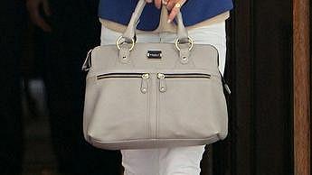 Právě tuto kabelku značky Modalu Pippa Middleton proslavila.