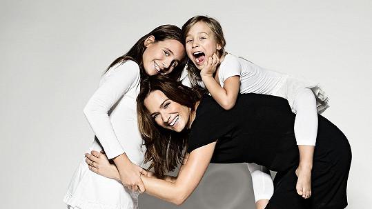 Klára Doležalová má krásné dcery.