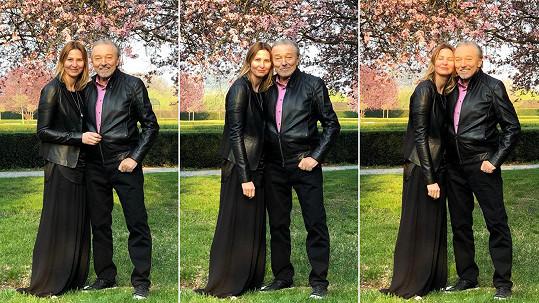 Karel Gott na archivních snímcích s manželkou Ivanou