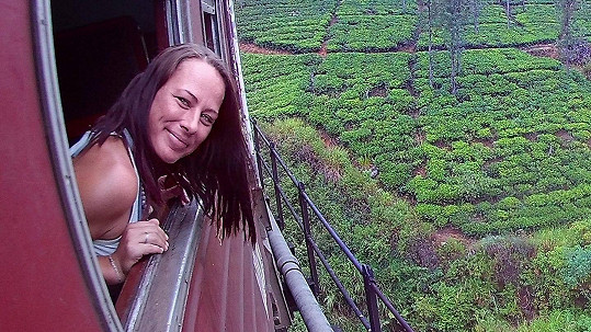 Bývalá mluvčí Novy žije na Srí Lance, která je teď odříznutá do světa.