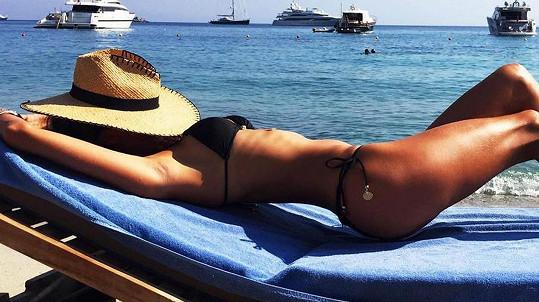 Známá modelka na ostrově Mykonos