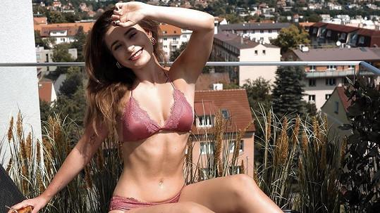 Anna Šulcová se pochlubila postavičkou v plavkách.