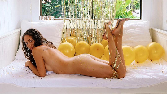 Jessa našla zalíbení v nahé józe, kterou zprostředkovává i svým fanouškům.