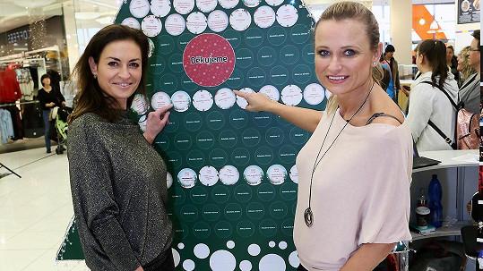Jana Adamcová přišla podpořit akci Dopisy Ježiškovi, kterou podpořila Hanka Kynychová se svým nadačním fondem.