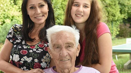 Ivo Pavlík na poslední oficiální fotce: Pózovala s ním Heidi i vnučka Johana.