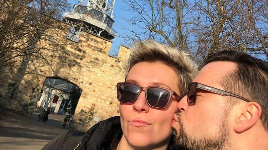 Letos Michal tráví Valentýna s těhotnou přítelkyní Zuzanou.