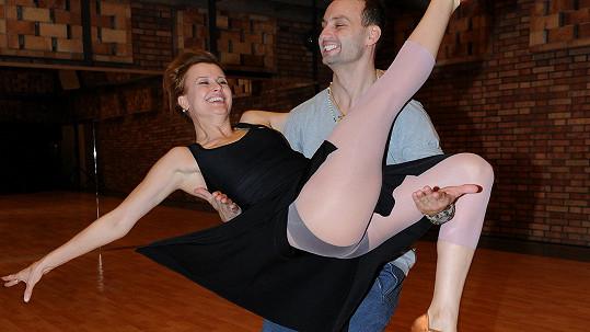 V tanečním čísle Jitky Schneiderové zjevně nebudou chybět složitější choreografické prvky.
