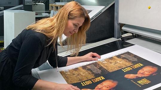 Ivana Gottová zveřejnila obálku autobiografie Karla Gotta.