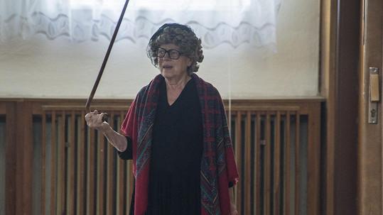 Iva Janžurová jako Ema v Doktorech z Počátků