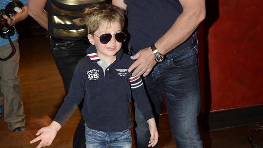 Vnouček Michala Davida Sebastian je celý dědeček.