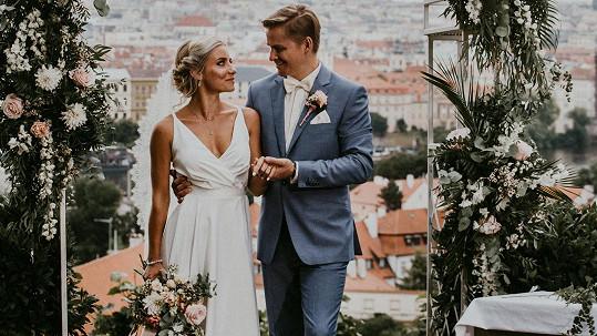 Nova začala vysílat reality show Svatba na první pohled.