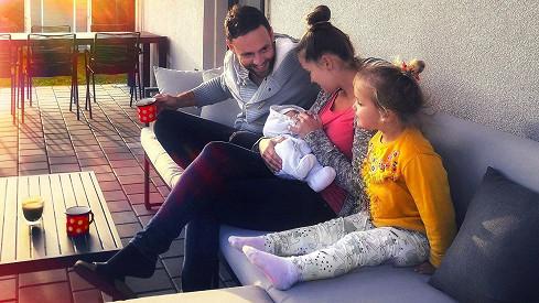 Michael Foret a jeho žena Eliška se radují z druhého dítěte.