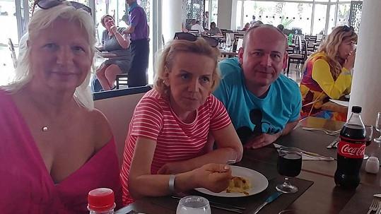 Hana Krampolová už je z nemocnice zpět na hotelu a dala si oběd.