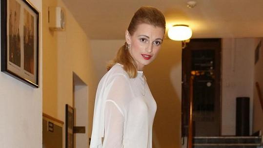 Ivana Jirešová se předvedla v průsvitných kratičkých šatech. Koukněte do galerie!