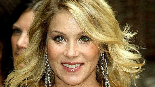 Christina Applegateová se stala v devětatřiceti letech poprvé matkou.